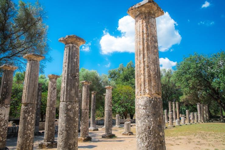 columns-2858915_1920